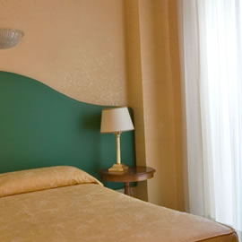 rome hotel cheap single room